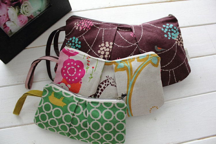 Picture of Free Pleated Zipper Pouches (3 Patterns)